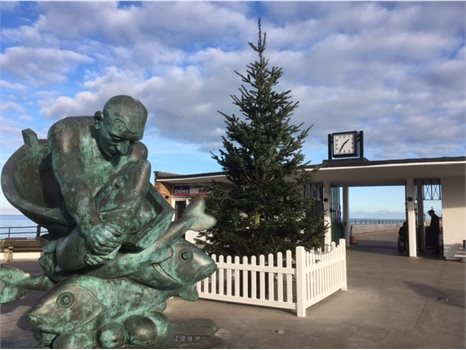 Deal Pier Christmas tree